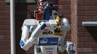 robots]
