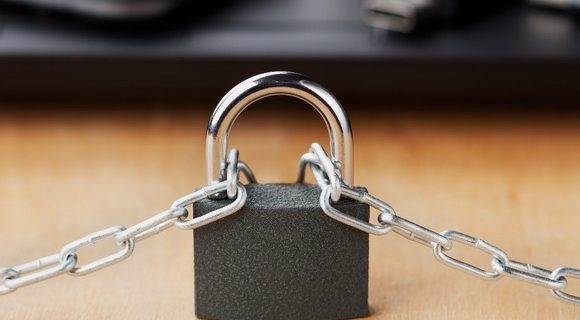 blockchain-chain-with-lock-580x358