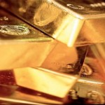 Gold reaches seven-month high as dollar struggles