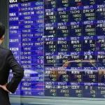 Dollar Climbs as Asian Stocks Advance Amid Earnings; Oil Falls