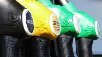 Oil-prices-petrol-pump
