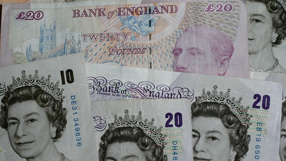 Pound Us Dollar Exchange Rate Climbs After Forecast Beating Retail S Results