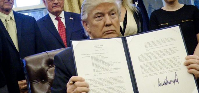 president-trump-signs-executive-orders-in-the-oval-office