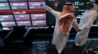 Saudi Arabia wants to boost crude oil prices and get rid of a supply glut